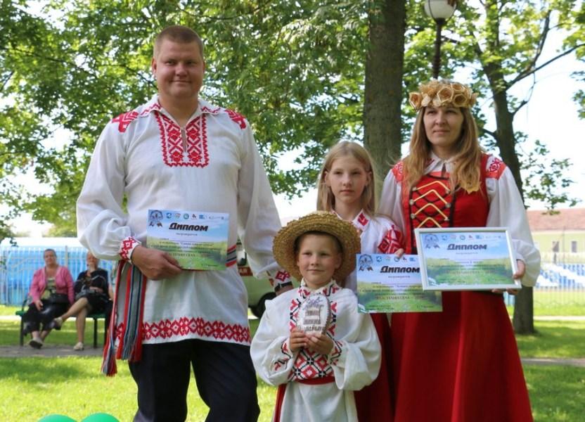 Семья Вайцехович из Подлесья стала «Властелином села-2019» в Слуцком районе - Слуцк Деловой
