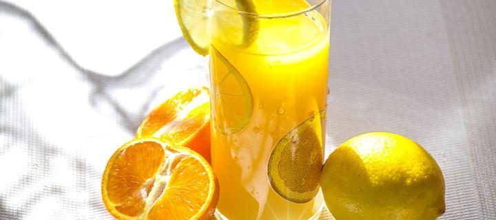 sok_frukty_apelsin_limon_zavtrak
