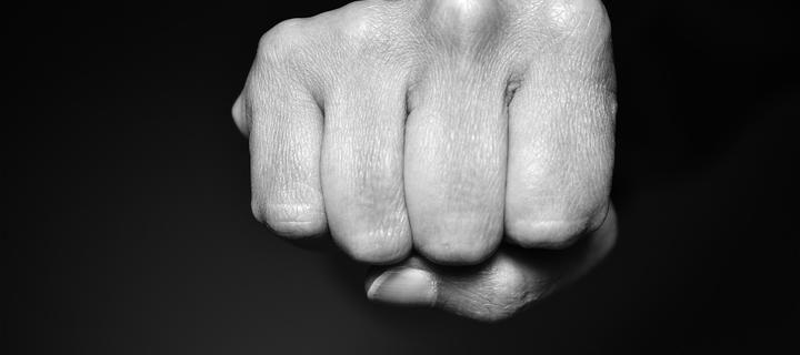fist-4112964_128-kulak-draka
