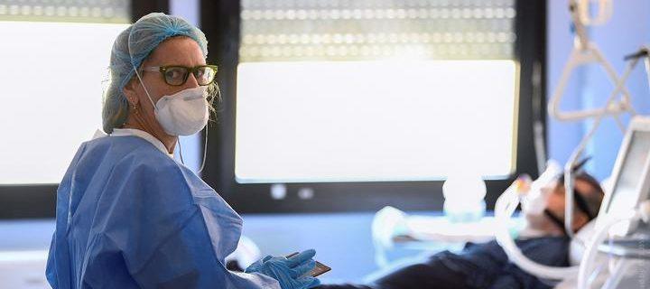medik_maska_koronavirus_italiya_pandemiya