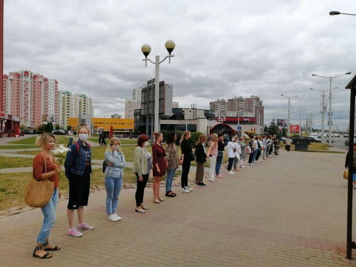zhenskiy_protest_minsk_kamgorka_11_avgusta_1